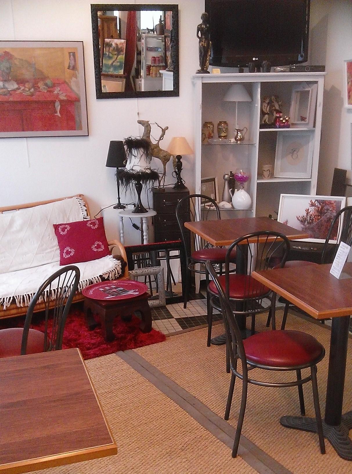 salon de th brocante centre ville de caen. Black Bedroom Furniture Sets. Home Design Ideas